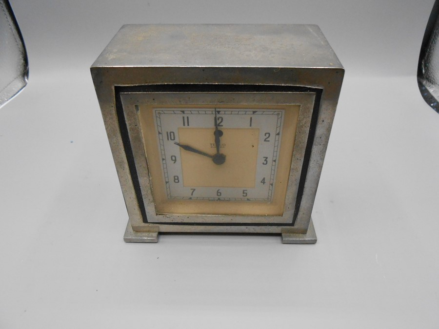 Vintage Temco Electric Mantle Clock 5 1/2 x 5 1/2 inches