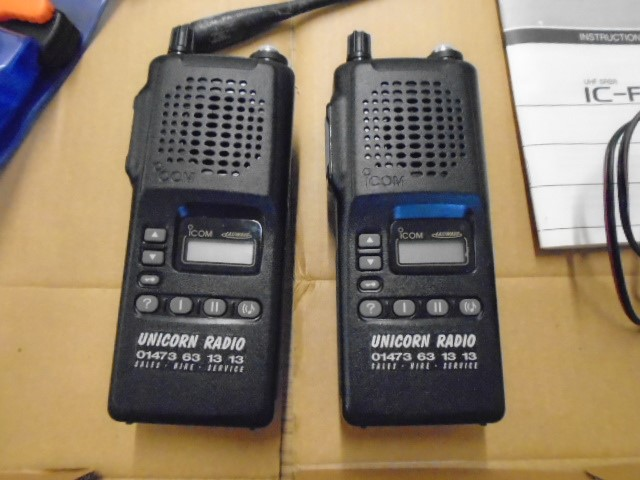 Pair of Easiwave CB's ic-f4sr in boxes with manuals and accessories - Image 2 of 2