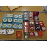 Coalport collection of 'twelve days of christmas' mini picture plates, Caverswall and spode