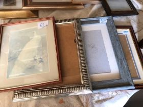 Assorted pictures / frames