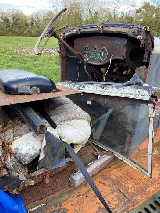 1930 Peugeot Torpedo type 201, in need of restoration currently on a trailer with all the parts - Image 5 of 17