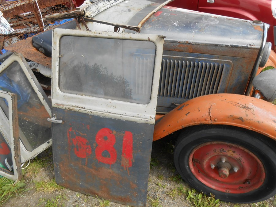 1930 Peugeot Torpedo type 201, in need of restoration currently on a trailer with all the parts - Image 15 of 17