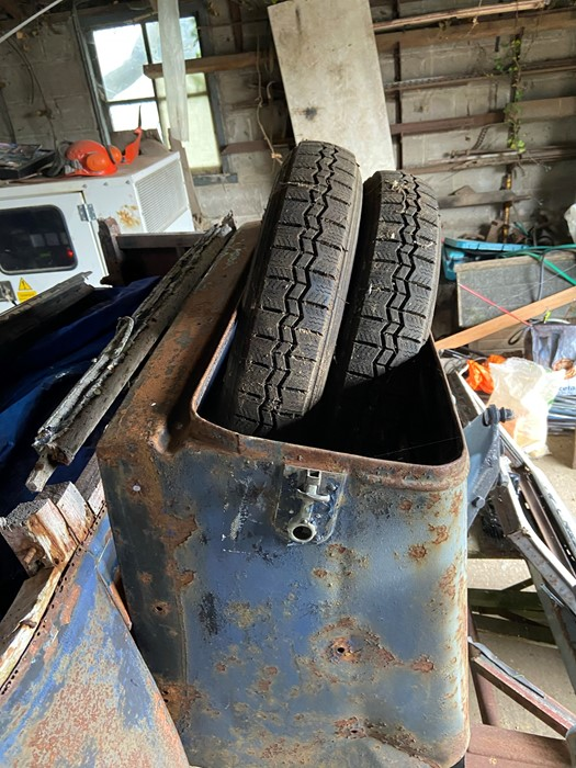 1930 Peugeot Torpedo type 201, in need of restoration currently on a trailer with all the parts - Image 8 of 17
