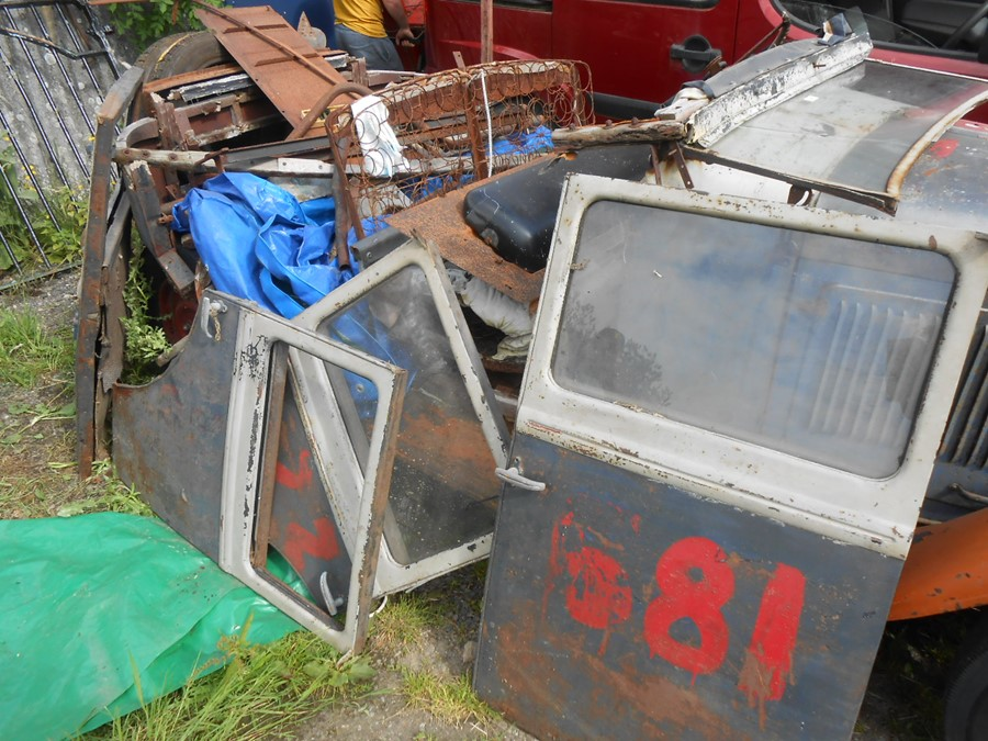 1930 Peugeot Torpedo type 201, in need of restoration currently on a trailer with all the parts - Image 14 of 17