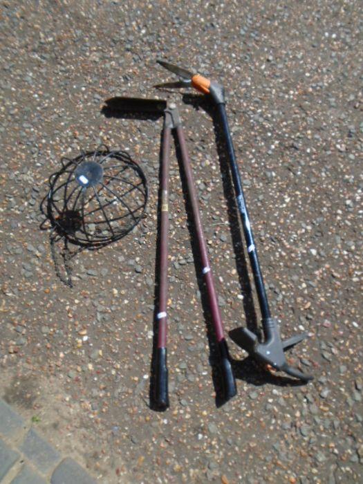 electric strimmer, 2 loppers, hanging basket - Image 3 of 4