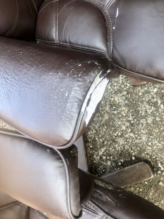 Two Swivel Recliners and matching footstools ( one chair A/F ) - Image 7 of 7