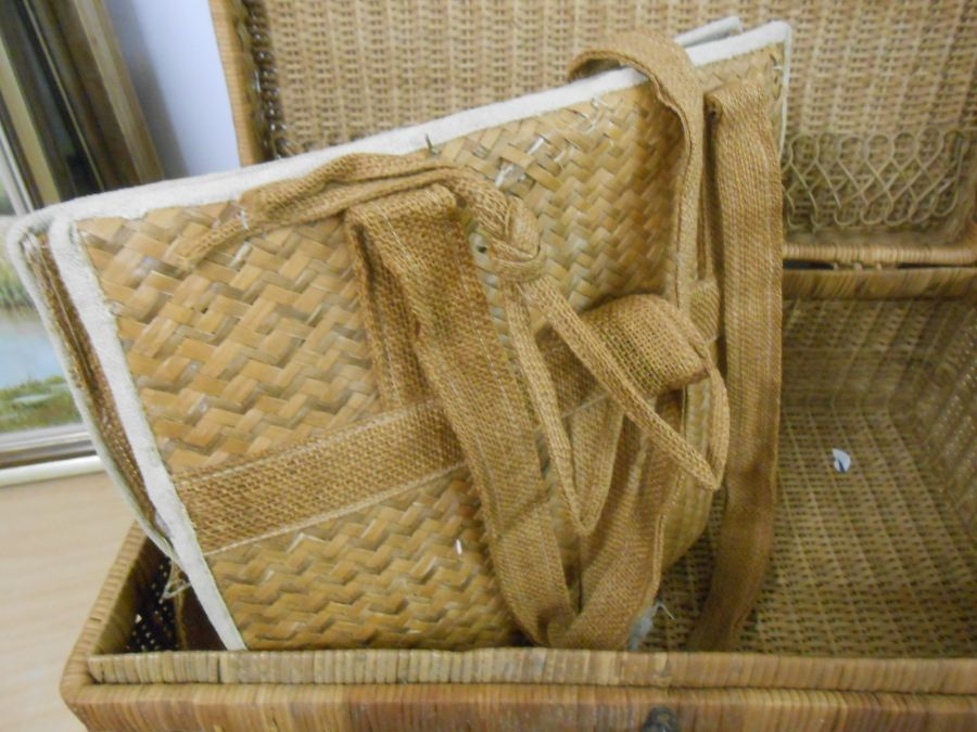 Wicker Picnic Basket and Bag - Image 5 of 6