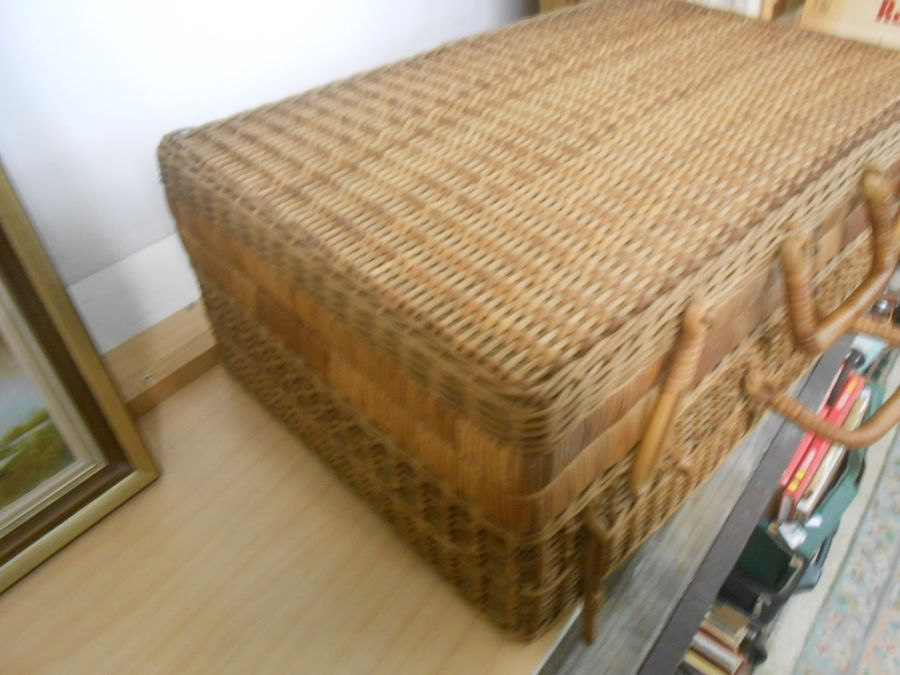 Wicker Picnic Basket and Bag - Image 2 of 6