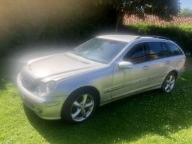 2008 Mercedes Benz C200 Estate Car Automatic with V5 Registration Document and 2 keys ( from