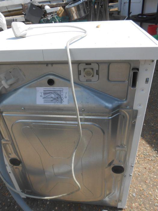 AEG Washing Machine ( house clearance ) - Image 3 of 3