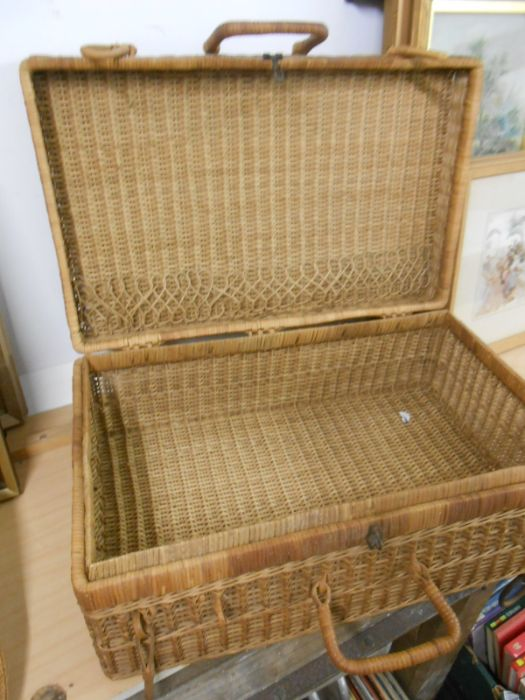 Wicker Picnic Basket and Bag - Image 3 of 6