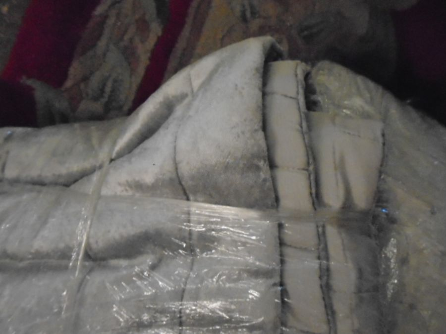 Half a Stillage of Laundered Bed Linen from local hotel single up to king size sheets , pillow cases - Image 13 of 19