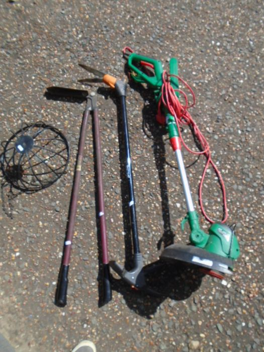 electric strimmer, 2 loppers, hanging basket - Image 4 of 4