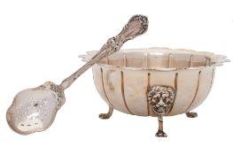 A George III silver circular sugar basin, maker I*L, Dublin,