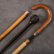 A George V 9ct gold mounted walking cane,