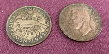 2 1940's George VI New Zealand pennies, dated 1942 & 1945.