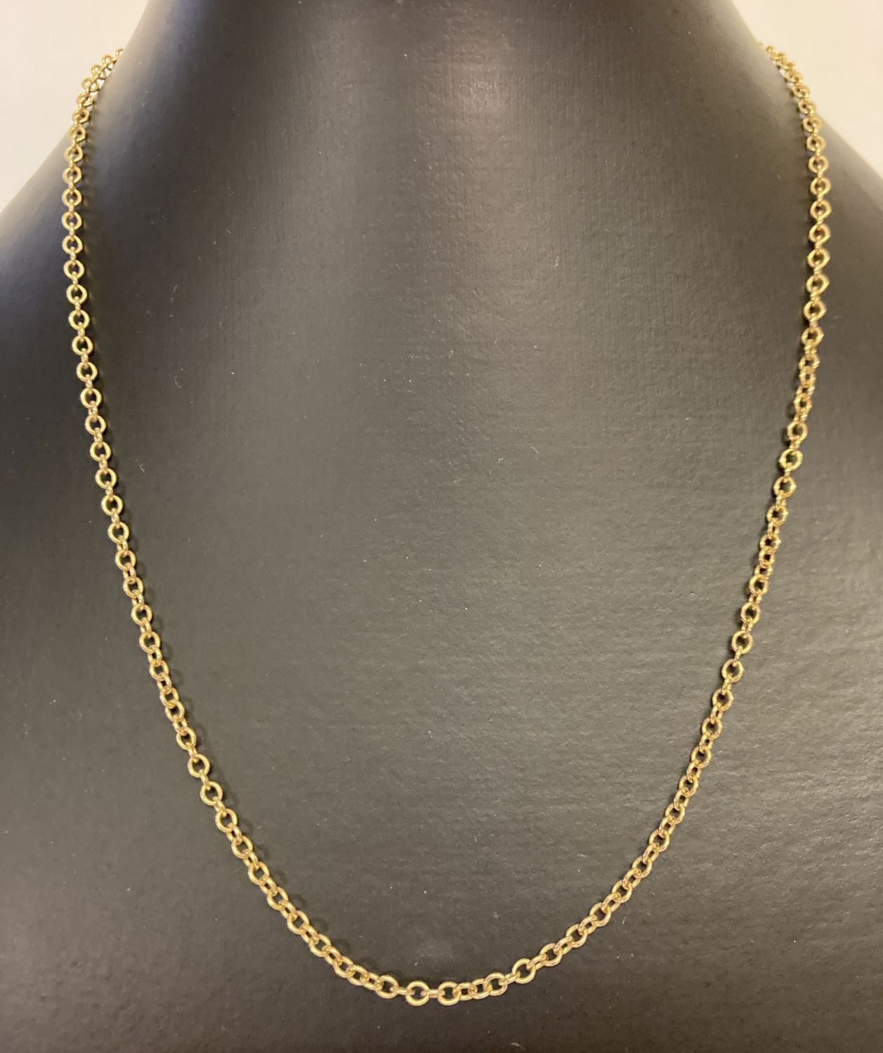 """A 9ct gold 18"""" belcher chain, marked 9ct to clasp."""