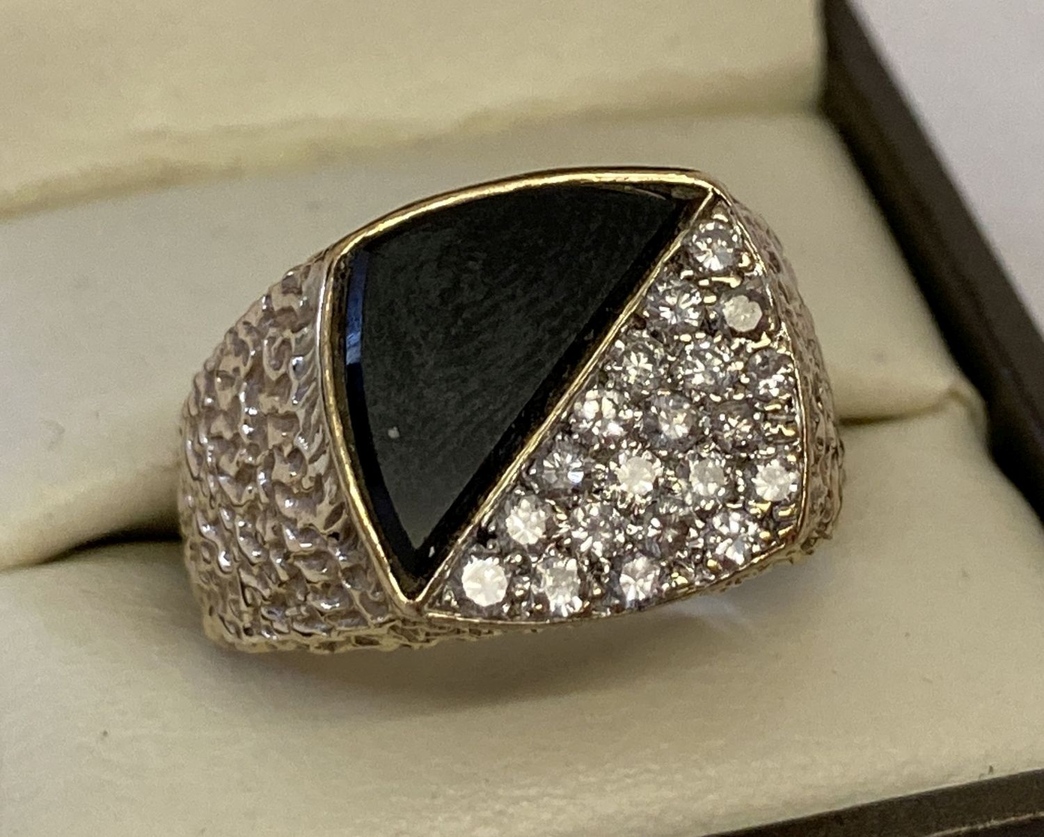 A vintage yellow gold men's signet ring, set with 1ct diamonds and black onyx.