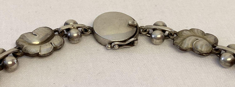 """A vintage Georg Jensen silver 16"""" necklace with leaf link design, #96. - Image 2 of 7"""