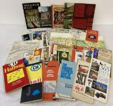 A quantity of assorted vintage tourist maps (British & Overseas) together with a collection of No…