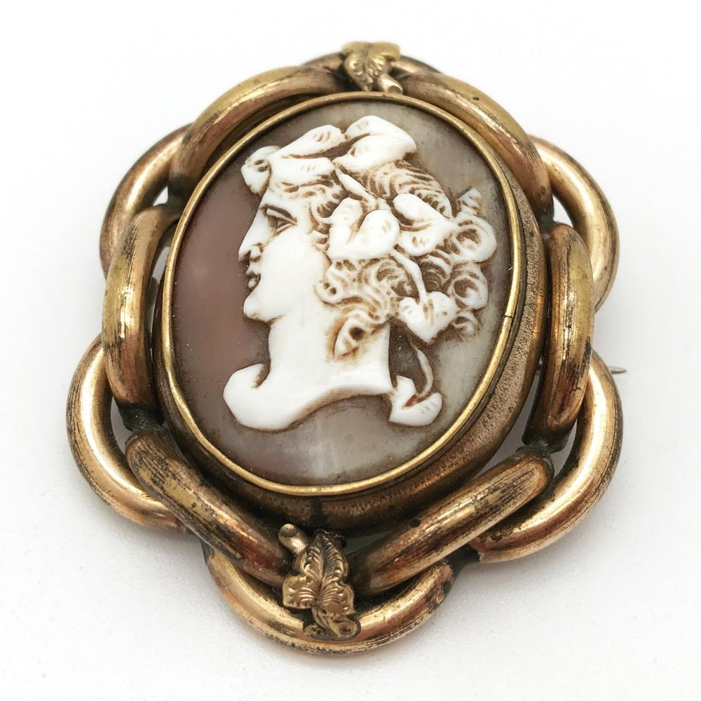 Jewellery & Silver with Antiques & Collectables