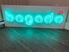 Enseigne neon BAGADO