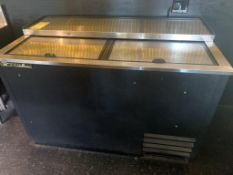 "Réfrigérateur à bar TRUE # TD 501-8 - 50 "" x 27"""