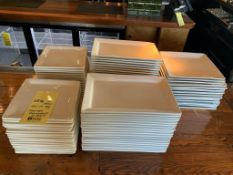Lot de approx 89 assiettes rectangles