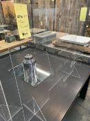 Plexiglass partition 40 x 32´´