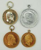 Württemberg: Lot von 4 Medaillen.