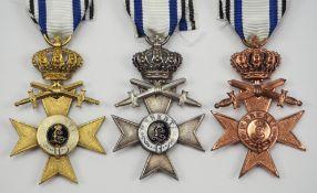 Bayern: Militär-Verdienstkreuz mit Krone und Schwertern Lot.