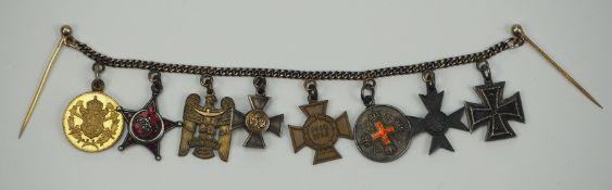Preussen: Miniaturenkette eines Landwehr-Offiziers und Veteranen der Balkanfront.