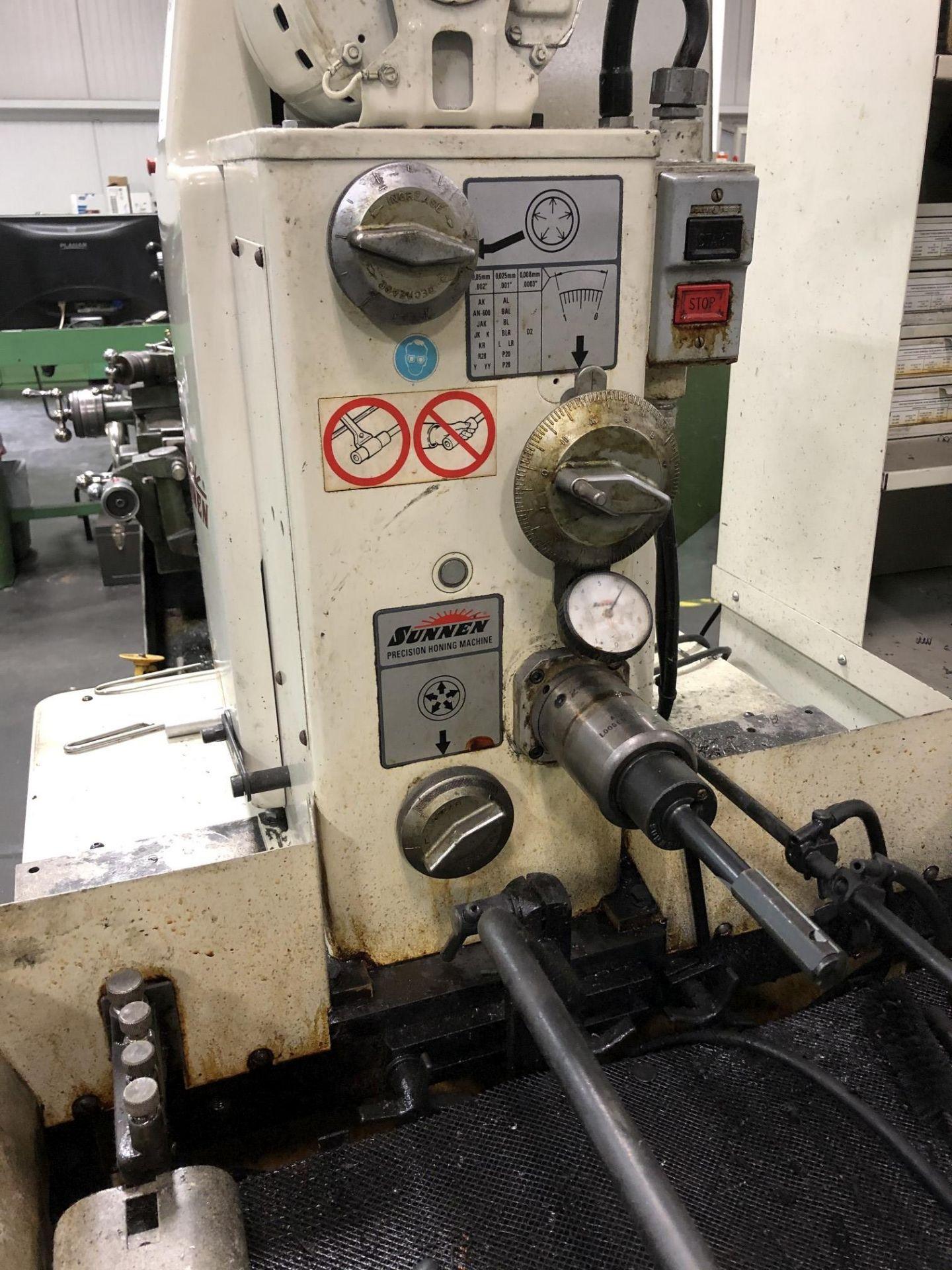Sunnen MBB-1660 Precision Honing Machine - Image 4 of 8