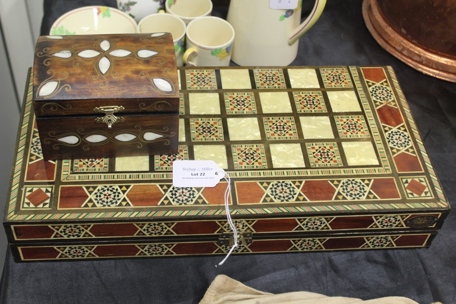 Mother of pearl inlaid games compendium, with chess and backgammon boards, mother of pearl inlaid