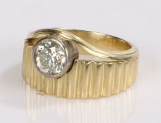14 carat gold diamond set ring, the round cut diamond to the wide ribbed shank, ring sizeO