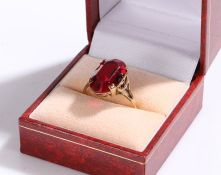 9 carat gold ring set with red paste, ring size R, 3.2g
