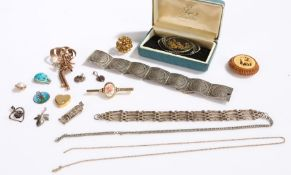 Silver and other jewellery, to include bracelets, pendants, brooches (qty)