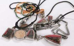 Collection of Thai amulets and bead necklaces (qty)
