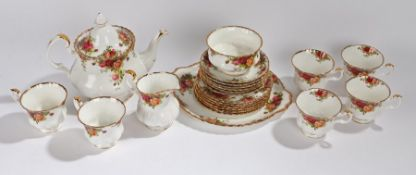 Royal Albert Old Country Roses pattern tea service, consisting of six tea cups, saucers and side