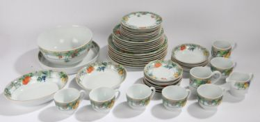 Wedgwood Home Eden pattern part dinner and tea service, consisting of seven dinner plates, six
