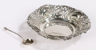 Edward VII silver dish, Birmingham 1901, maker Woodward & Co, with pierced scroll decorated