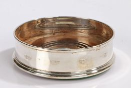 Elizabeth II silver coaster, London 1991, maker Whitehill Silver & Plate Co, with reeded turned