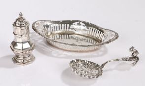Edward VII silver bonbon dish, Chester 1908, makers mark rubbed, of pierced oval form, Victorian