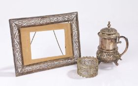 Continental 800 silver mustard pot and cover, filigree picture frame, filigree napkin ring (3)