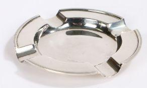 George V silver ashtray, Birmingham 1931, maker William Hutton & Sons Ltd, of circular form, 10.