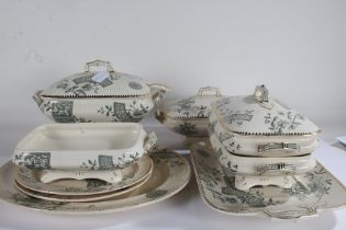 """Extensive B&B """"Richmond"""" pattern dinner service, to include soup tureen, ladle, cover and stand,"""