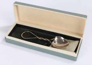 Elizabeth II silver love spoon, Edinburgh 1988, maker Isle of Mull Silver Co (Philip D A