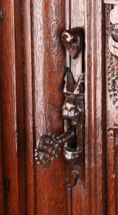 Fine 17th Century Dutch oak Keeftkast cupboard, an unusually small size, circa 1640, the deep and - Image 4 of 6