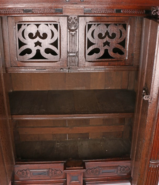 Fine 17th Century Dutch oak Keeftkast cupboard, an unusually small size, circa 1640, the deep and - Image 5 of 6