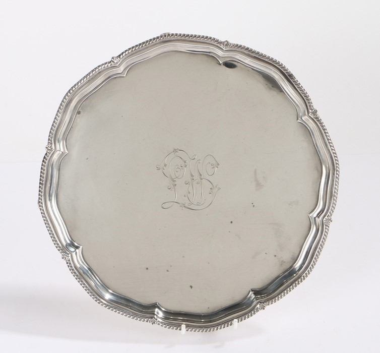 George V silver salver, London 1912, makerHarrison Brothers & Howson (George Howson), with